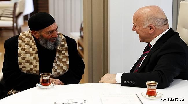 Başkan Sekmen, Necip Bezmiş'i makamında ağırladı