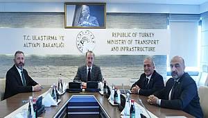 Rektör Çomaklı, Ulaştırma ve Altyapı Bakanı Turhan ile bir araya geldi