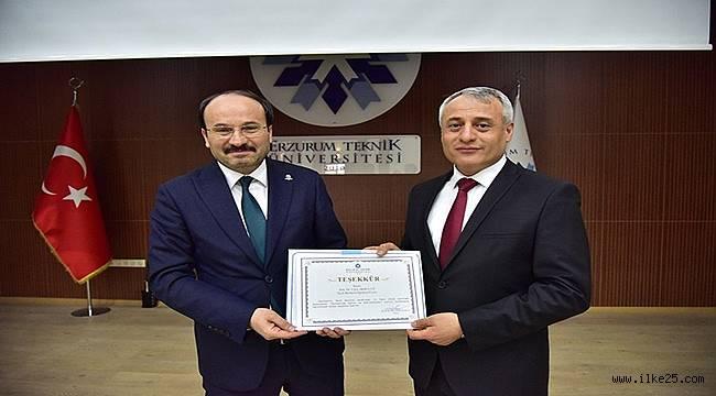 ETÜ'de 'Osmanlı'da Kahve ve Kahvehaneler' konferansı düzenlendi