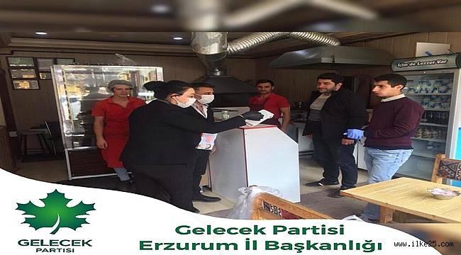 Gelecek Partisi Erzurum'da Maske Dağıttı