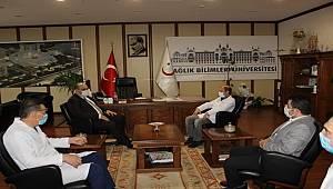 Sağlık personeline Başkan Orhan'dan moral ziyareti