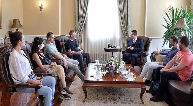 Ünlü yönetmen Nuri Bilge Ceylan, ValiOkay Memiş'i ziyaret etti