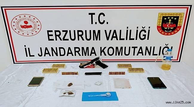 Erzurum'da 5 adrese eş zamanlı uyuşturucu operasyonu