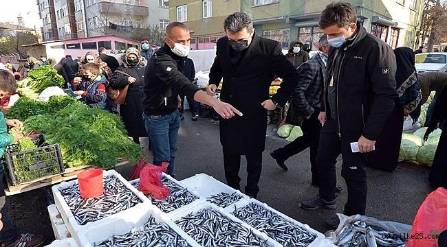 Erzurum Valisini  Pazarda Gören Esnafın Şaşkınlığı