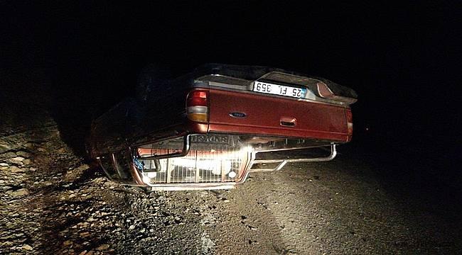 Erzurum'da Trafik Kazası..Kamyonet Ters Döndü!