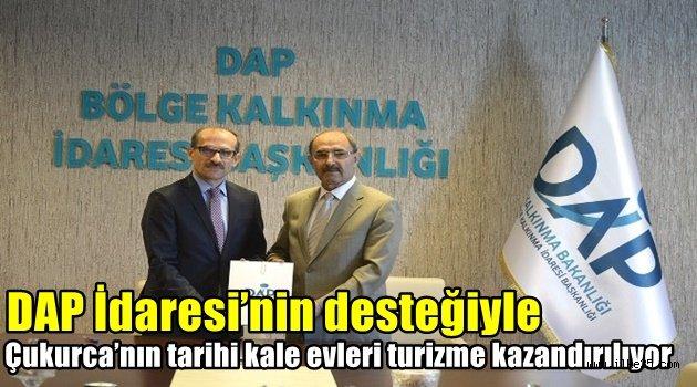 DAP İdaresi'nin desteğiyle  Çukurca'nın tarihi kale evleri turizme kazandırılıyor