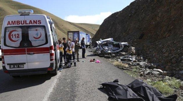 Erzurum'da Trafik Kazası: 3 Ölü, 3 Yaralı