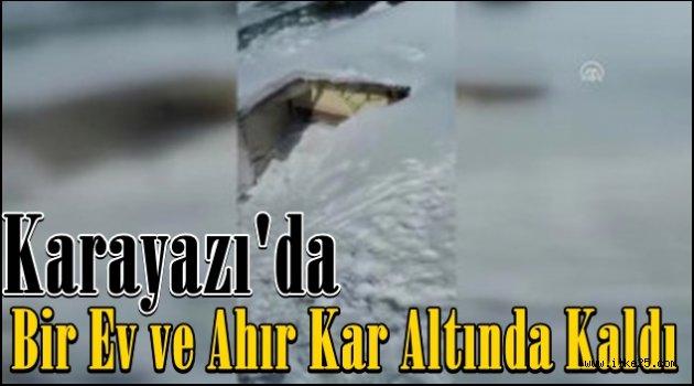 Karayazı'da Bir Ev ve Ahır Kar Altında Kaldı